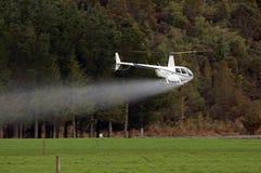 肥料喷洒 图库摄影