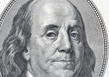 在一百元钞票特写镜头的本杰明・富兰克林画象 免版税库存照片