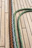 在一艘高帆船的甲板绳索 免版税图库摄影