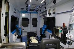 在一辆现代救护车里面 免版税库存照片