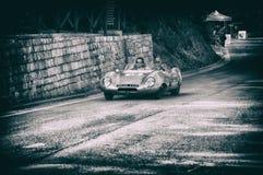 在一辆老赛车的莲花十一顶极1956年在集会Mille Miglia 2017年 库存照片