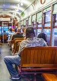 在一辆路面电车里面的人们在新奥尔良 库存图片