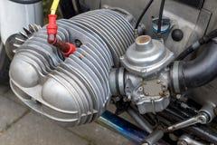 在一辆更旧的摩托车的平的引擎 库存照片