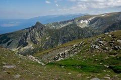 在七个Rila湖,保加利亚附近的全景风景 库存照片
