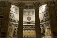 在万神殿里面的柱廊细节 库存照片