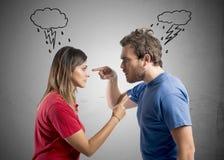 在丈夫和妻子之间的讨论 免版税库存图片