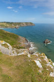 在三峭壁海湾附近的威尔士海岸高尔半岛威尔士英国 免版税库存照片