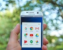 在三星S7的谷歌阿普斯 库存图片