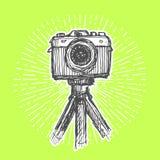 在三脚架的单一透镜反光照相机 库存图片