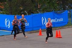 在三项全能的赛跑者 免版税库存照片