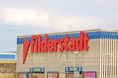 在上写字显示菲尔德施塔特,在机场斯图加特,德国附近的村庄 图库摄影
