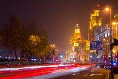 在上海障壁的历史建筑学有城市的点燃 免版税库存照片