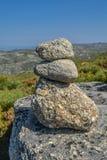 在上面的岩石在山在葡萄牙 免版税库存图片