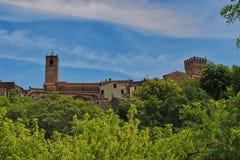 在上面的看法向古镇圣卡夏诺德伊巴尼在托斯卡纳 库存图片
