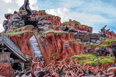 在不可思议的王国的飞溅山,华特・迪士尼世界 库存照片