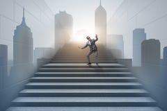 在不确定性概念的商人在事业梯子 免版税库存图片