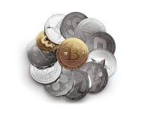 在与一金黄bitcoin的白色背景不同的cryptocurrencies隔绝的巨大的堆在上面 向量例证