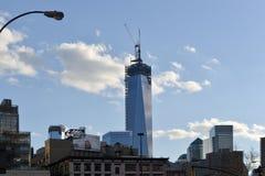 在世界之下的中心建筑贸易 免版税库存照片