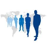 在世界地图前面的团队负责人 向量例证