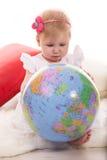 在世界地球的女婴查寻 图库摄影