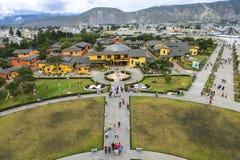 在世界的中部的全景风景在厄瓜多尔 免版税库存照片