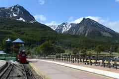 在世界的最南端的铁路在地球边缘 免版税图库摄影