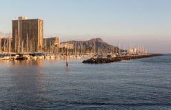 在丙氨酸Moana港口框架金刚石的游艇朝向 免版税库存照片