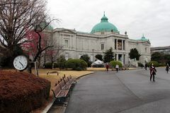 在东京国立博物馆附近的情况,大厦是im 库存图片