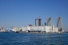 在东京海湾,日本的现代大厦 图库摄影