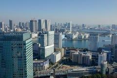 在东京海湾,日本的现代大厦 库存照片