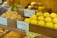 在东京陈列的传统日本人蛋糕,日本 免版税库存照片