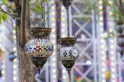 在东方样式的灯与马赛克设计 免版税库存照片