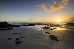 在东海岸的日出,北国,新西兰 库存图片