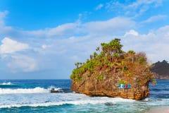 在东爪哇省- Pantai Selok海滩的普遍的旅行目的地 库存照片