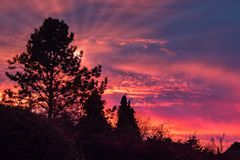 在东部Grinstead的五颜六色的日落 图库摄影