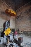 在东部Mebon寺庙的菩萨雕象在柬埔寨 图库摄影