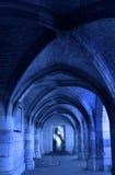 在中世纪城堡的走廊与门户开放主义 库存图片