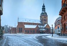 在中世纪市的早晨视图里加,拉脱维亚 图库摄影