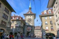 在中世纪时钟塔钟楼的天文学时钟 库存照片