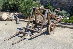 在中世纪的弹射器 免版税库存图片