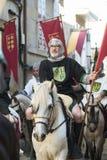在中世纪衣裳打扮的人们 库存照片