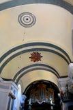 在中世纪被加强的修道院的教会里面在Crit克洛伊茨,特兰西瓦尼亚 库存照片