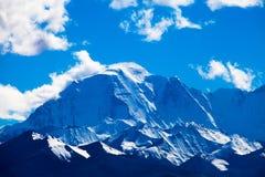 在中午的Mt. Makalu 库存照片