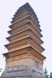 在中国佛教寺庙的老塔 免版税库存图片