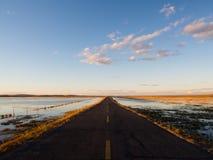 在中国俄罗斯边界的乡下公路 免版税库存照片