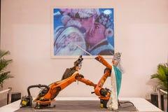 在中国冶金学机器人展示的陈列 库存图片