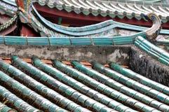 在中国古庙的分层结构屋顶 免版税图库摄影