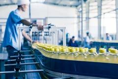 在中国喝生产设备 库存照片