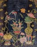在中国式的古老泰国墙壁上的艺术 库存照片