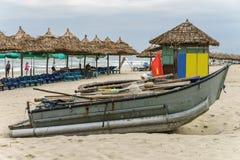 在中国海滩的小船在岘港在越南 库存照片